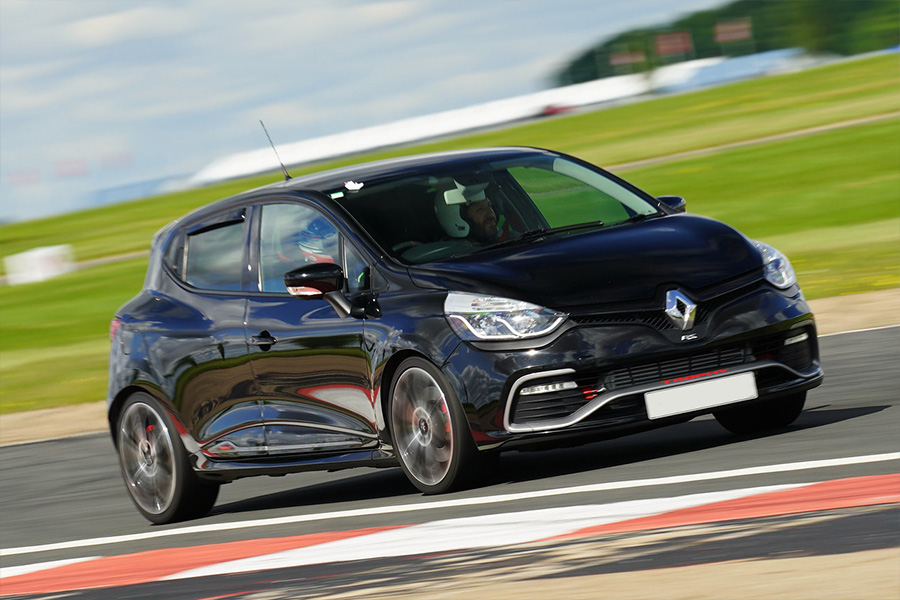 Renaultsport Clio 197 track day hire